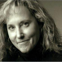Linda Hauck headshot